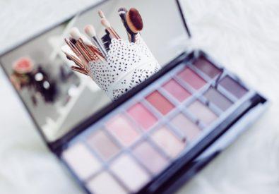 Blush Makeup &H...